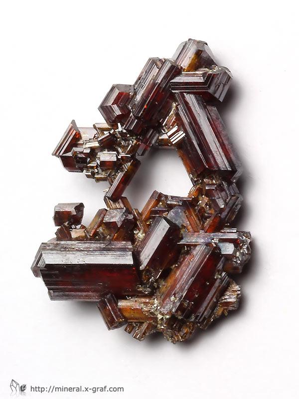 金红石晶体结构示意图